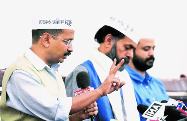 AAP, Aam Aadmi Party, AAP Crisis, Arvind Kejriwal, Yogendra Yadav, Prashant Bhushan, AAP National Council, AAP Meeting, Delhi News