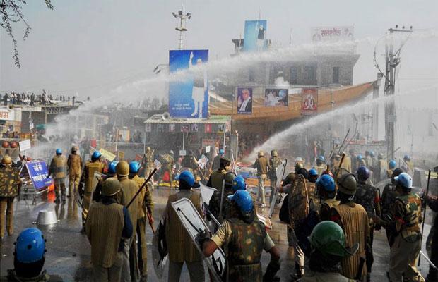 Media person assault, Hisar, Godman Rampal