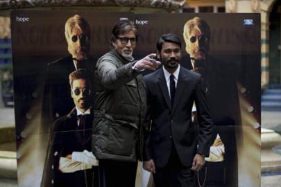 Shamitabh Promotion: अमिताभ ने कहा कि फिल्म का विषय कुछ इस तरह का है जो पहले कभी नहीं देखा गया। (स्रोत-एपी/पीटीआई)