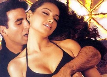 आज बॉलीवुड की सेक्सी अभिनेत्री बिपाशा बसु का 36वां जन्मदिन है।