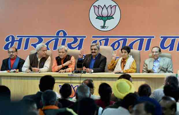 BJP, Congress, Delhi Elections 2015, AAP, Arvind Kejriwal, Narendra Modi, Rahul Gandhi, National News, Politics,