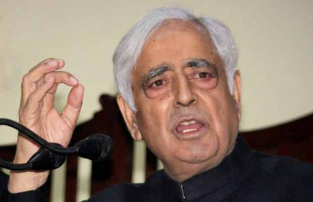 Srinagar, Jammu and Kashmir Chief Minister, Mufti Mohammad Sayeed, Hizbul Mujahideen militants, encounter, PDP leader, Pak flag hoisted on J&K CM's ancestral house श्रीनगर