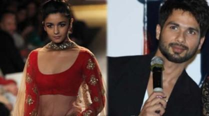 आलिया अपने बचपन के प्यार शाहिद कपूर के साथ जल्द ही बड़े पर्दे पर रोमांस करती नज़र आएंगी। (फोटो: बॉलीवुड हंगामा)