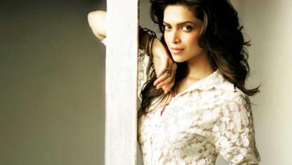 बॉलीवुड के संजीदा एक्टर्स में से एक मशहूर इरफान खान को 'डिंपल गर्ल' दीपिका पादुकोण लगती हैं नंबर वन अभिनेत्री।