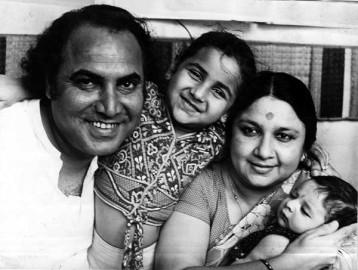 अभिनेत्री ने बॉलीवुड के दिग्गज ओम शिवपुरी से शादी की थी। उनका एक बेटा और बेटी है। (फोटो: एक्सप्रेस आर्काईव)