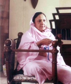सुधा का सुबह करीब छह बजे अंधेरी के एक अस्पताल में निधन हुआ। उन्हें दो हफ्ते पहले इस अस्पताल में भर्ती कराया गया था। (फोटो: एक्सप्रेस आर्काईव)