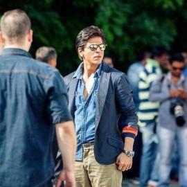 शाहरुख खान, रोहित शेट्टी, दिलवाले, शाहरूख खान दिलवाले, शाहरूख खान साइकिल, काजोल, बॉलीवुड, बॉलीवुड न्यूज़, बॉलीवुड समाचार, बॉलीवुड की खबरें, मनोरंजन, Shah Rukh Khan, Rohit Shetty, Dilwale, Shah Rukh Khan in Dilwale, Shah rukh Khan cycle, Shah Rukh Khan knee injury, bollywood news, entertainment news