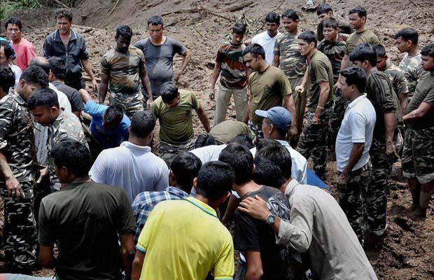 दार्जिलिंग, दार्जिलिंग लैंडस्लाइड, दार्जिलिंग में भूस्खलन, दार्जिलिंग में बारी बारिश, darjeeling landslide, landslide in darjeeling, heavy rain darjeeling, darjeeling news, darjeeling latest news
