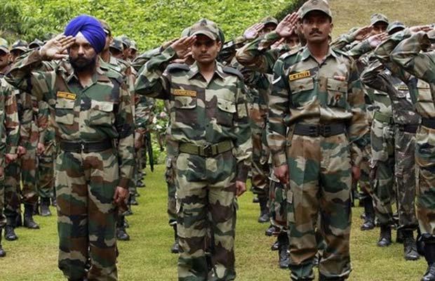 सिपाही, जंतर-मंतर, राहुल गांधई, वन रैंप वन पेशंन, सैन्यकर्मी , soldier, indian soldier, rahul gandhi, jantar mantar, one rank one pension