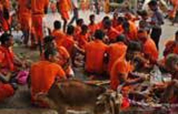 झारखंड, जमशेदपुर सड़क हादसा, सरायकेला, कांवड़ियों की मौत, Jharkhand, Jamshedpur road accident, pilgrims die in accident
