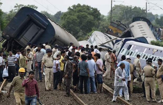 train accident, mp twin train derailment, madhya pradesh train derailement, janata express, kamayani express mishap,janata kamayani express mishap, mp train accident survivors, maharashtra news, mumbai news, india news