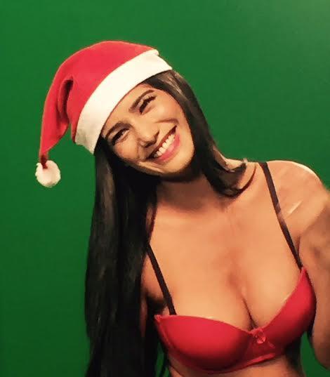 poonam pandey, christmas, happy christmas, poonam pandey pics, bollywood pics, poonam pandey latest pics, पूनम पांडे, क्रिसमस, बॉलीवुड, क्रिसमस, सेंटा क्लॉज
