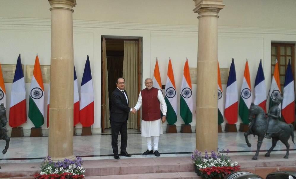 Live Blog, French President, Francois Hollande, PM Modi, narendra modi, Republic Day parade, French President, फ्रांसुआ ओलांद, रिपब्लिक डे परेड, फ्रांस के राष्ट्रपति, नरेंद्र मोदी, पीएम मोदी