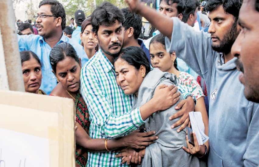 Rohith Vemula, Dalit student, Dalit student suicide, Hyderabad, Hyderabad University, Rohith Vemula Suicide, Rahul Gandhi, HRD ministry, HYderabad protests, Dalit protests, दलित छात्र सुसाइड, हैदराबाद यूनिवर्सिटी