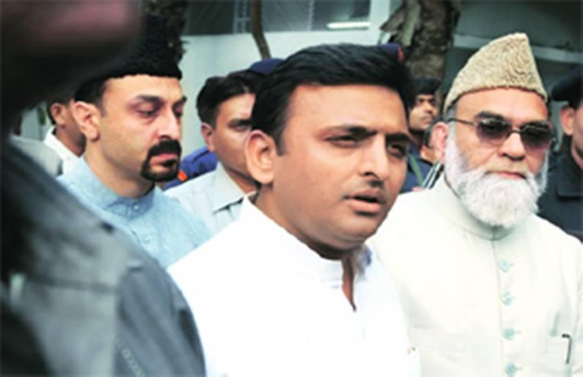 Shahi Imam, Syed Ahmed Bukhari, Jama Masjid, Samajwadi Party, Uttar Pradesh, UP Assembly Elections