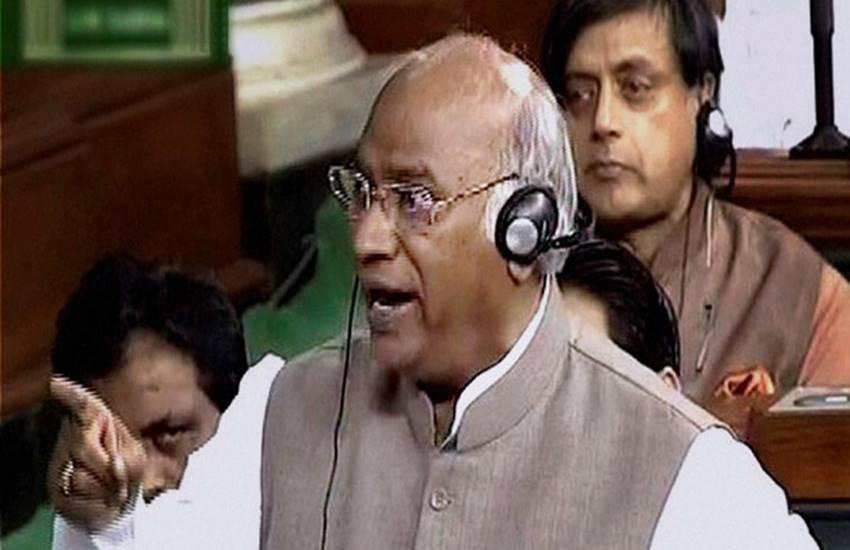 mallikarjun kharge, narendra modi, budget session, modi rss, budget session news, modi kharge rss, india latest news, lok sabha, मल्लिकार्जुन खड़गे, पीएम नरेंद्र मोदी, लोकसभा, संसद, आरएसएस, मोदी आरएसएस