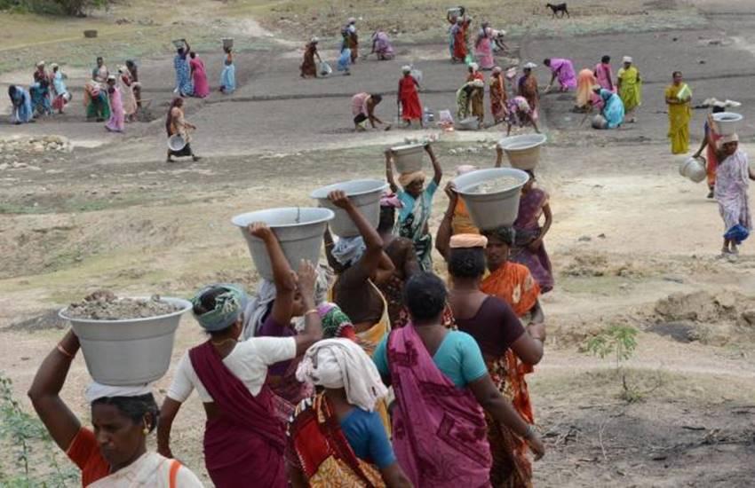 यूनियन बजट 2017: 2019 तक एक करोड़ परिवारों को ग़रीबी से बाहर लाने का लक्ष्य