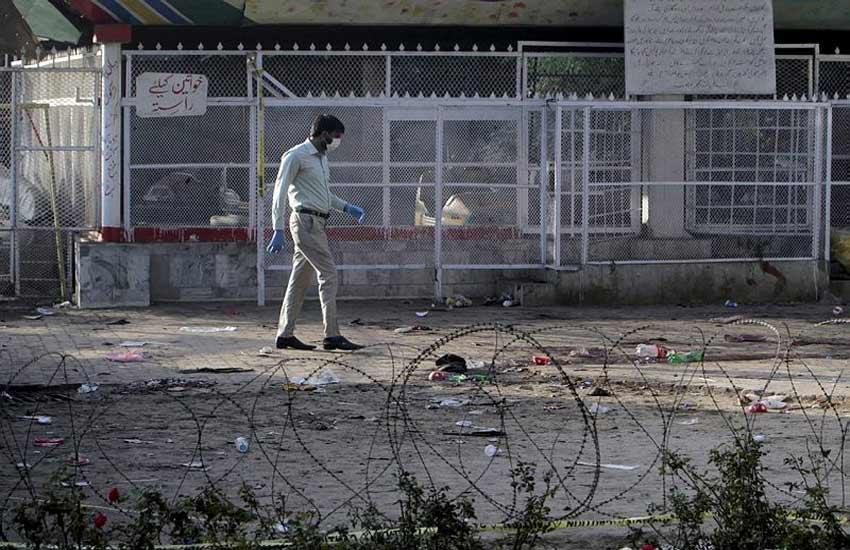 lahore blast, Taliban's Easter bombing target, pakistan, nawaz sharif, lahore gulshan e iqbal park, lahore suicide blast, easter blast pakistan, पाकिस्तान, लाहौर धमाका, ईस्टर धमाका, लाहौर गुलशन ए इकबाल पार्क, लाहौर सुसाइड ब्लास्ट