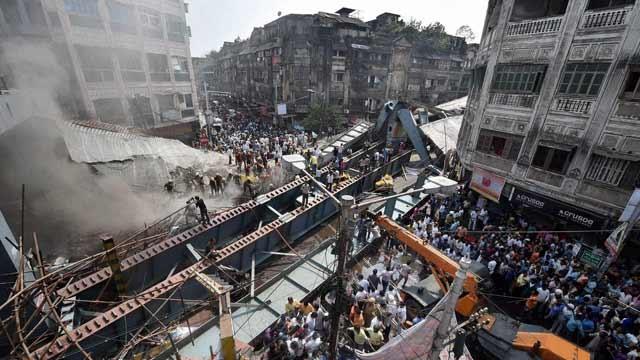 Kolkata flyover collapse,Kolkata flyover,bridge collapse,Burrabazaar,Mamata Banerjee,West Bengal