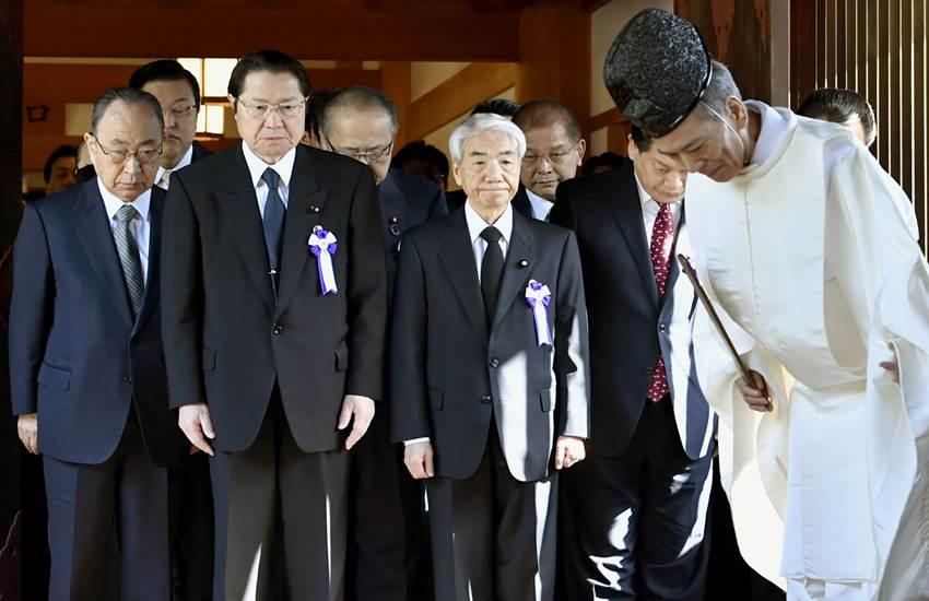 Japanese MP, Tokyo war memorial, Yasukuni Shrine, China, South Korea