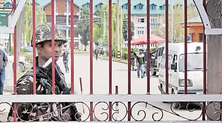NIT Srinagar, NIT, Srinagar, NIT protests, NIT Srinagar protests, protests, VHP, NIT Srinagar VHP, Pravin Togadia, india news