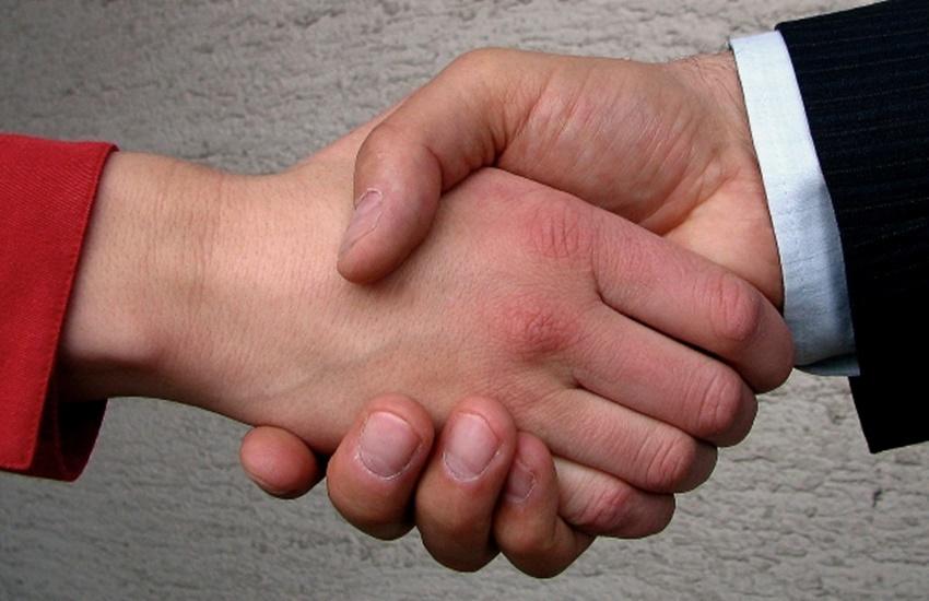 Switzerland, Muslim, Islam, handshake, religion, Switzerland news, Europe news, muslim Europe, muslim students, handshake in islam
