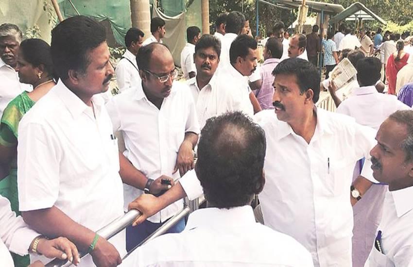 Jayalalitha, AIADMK candidates, tamil nadu assembly elections, jayalitha selecting candidates, ticket aspirants in tamil nadu, tamilnadu elections, AIDMK, eletions 2016, जयललिता , तमिलनाडु विधानसभा चुनाव, अन्नाद्रमुक