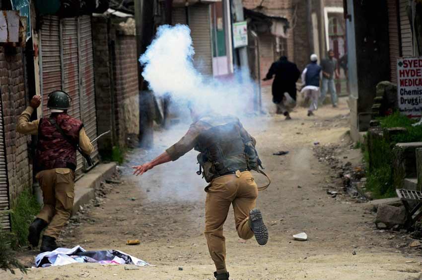 Kupwara firing, Kupwara army firing, army firing kupwara, army kupwara, kupwara army, kupwara protests, J&K army firing, army firing J&K, J&K news, KAshmir news, India news