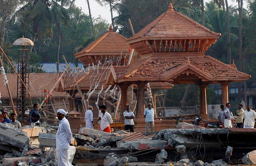 kollam temple, Kerala temple fire, Kerala tragedy, Kollam tragedy, Temple fire victim, Concrete pellets removed, KIMS hospital, Surgical procedures, Puttingal Devi Temple, Puttingal temple fire, Kollam fire victims, 500 gm concrete,