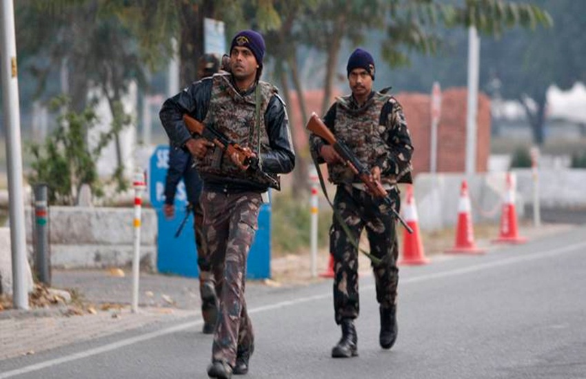 kashmir, terrorists, terror alert, terrorists in delhi, security agencies, kashmir terrorists, pakistan terrorists, terror attack alert, kashmir terrorists to delhi