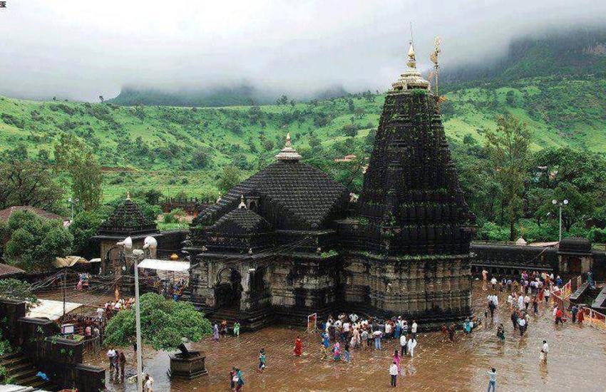Trimbakeshwar Temple, Women Entry, Sanctum Sanctorum, Nashik, Swarajya Sanghatana, Vanita Gutte, Gender Equality, Lord Shiva Temple