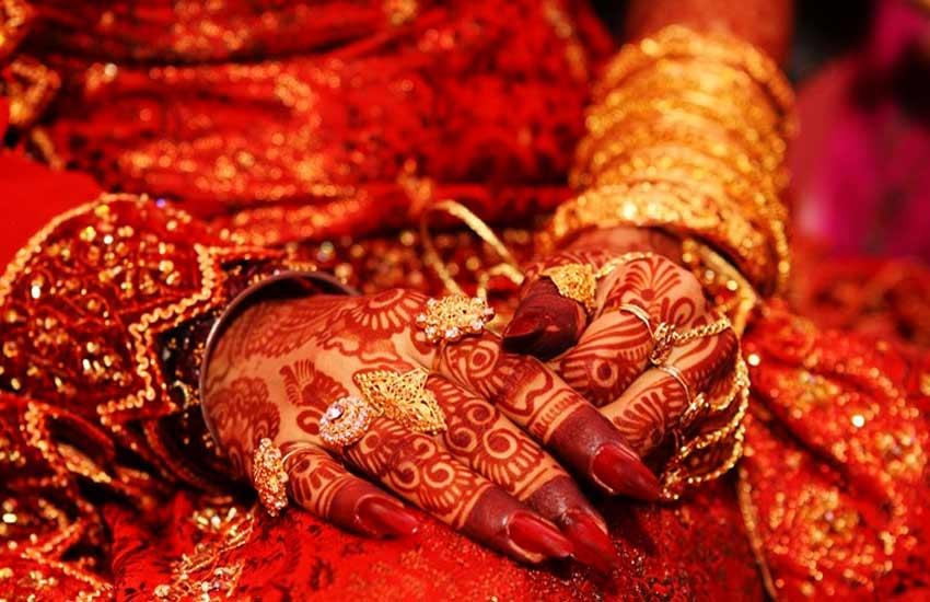 divorce, saudi arab divorce, muslim man divorce, groom divorces wife because of phone, husband wife divorce because of phone