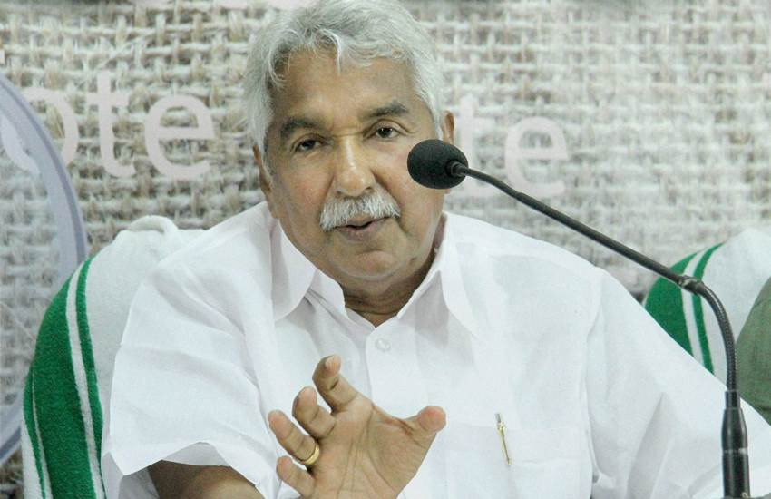 Oommen Chandy, Oommen Chandy Condemned, Orange Colour Passport, Orange Passport, Orange Colour Passport in kerala, Former Kerala Chief Minister, Central Government, Central Government Move, State news