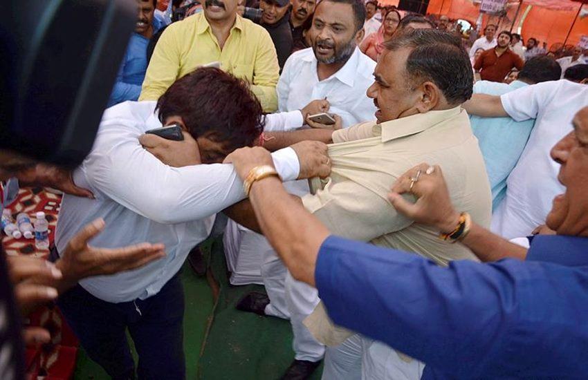 ap, aam aadmi party, AAP councilor beaten, rakesh kumar, Joint MCD session