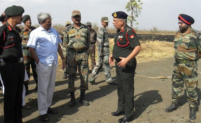 Defence Minister Manohar Parrikar, Jawans, Pulgaon Fire