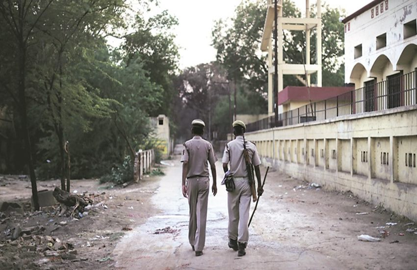 Mathura,mathura netaji cult, mathura clashes netaji group, Jawahar Bagh, swadheen bharat subhash sena