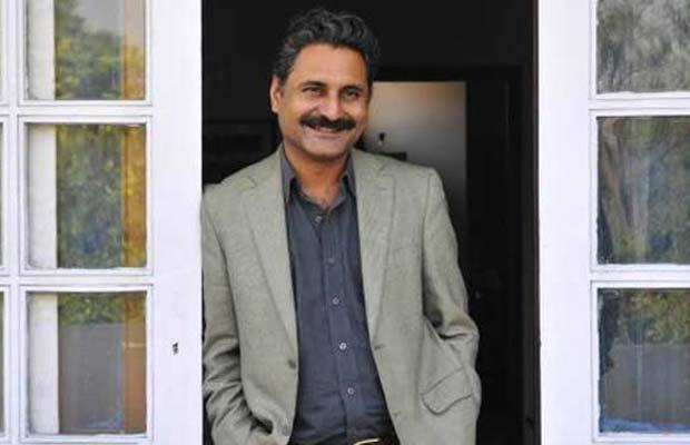 पीपली लाइव के सह-निर्देशक महमूद फारूकी को रेप के एक मामले में सात साल कैद की सजा सुनाई गई है। उन्हें (महमूद फारूकी को) 30 जुलाई (शनिवार) को रेप के एक मामले में दोषी करार दिया गया था। दिल्ली की एक अदालत ने माना था कि महमूद फारूकी ने 2015 मार्च माह में एक अमेरिकी रिसर्चर से रेप किया था। इससे पहले भी बॉलीवुड सेलिब्रिटीज पर इस तरह के आरोप लगते आए हैं। कभी आरोप सही निकले तो कभी मामला केवल अफावह बनकर शांत हो गया।