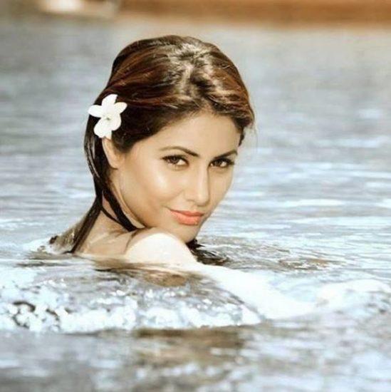 स्टार प्लस के शो 'ये रिश्ता क्या कहलाता है' की हिना खान ने अपने एक्टिंग करियर की शुरुआत साल 2009 में इसी शो से की थी।