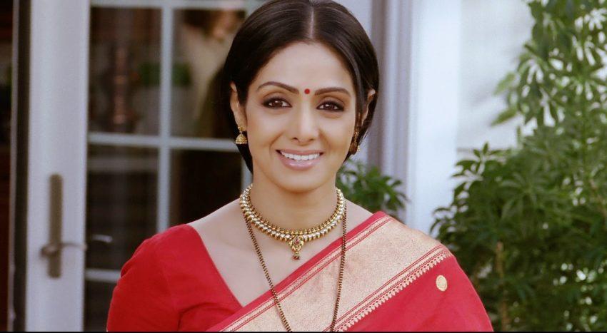 इंग्लिश विंग्लिश फिल्म में जब श्रीदेवी अंग्रेजी में स्पीच देती है। ये सीन भी दिल छूने वाला है।