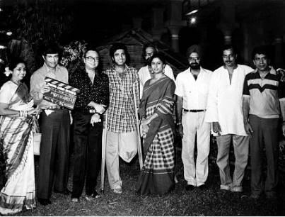 राज स्मिता के प्यार में इस कदर खोए थे कि 80 के दशक में जमाने को अनदेखा कर राज बब्बर और स्मिता पाटिल ने लिव-इन में रहना शुरू कर दिया था।
