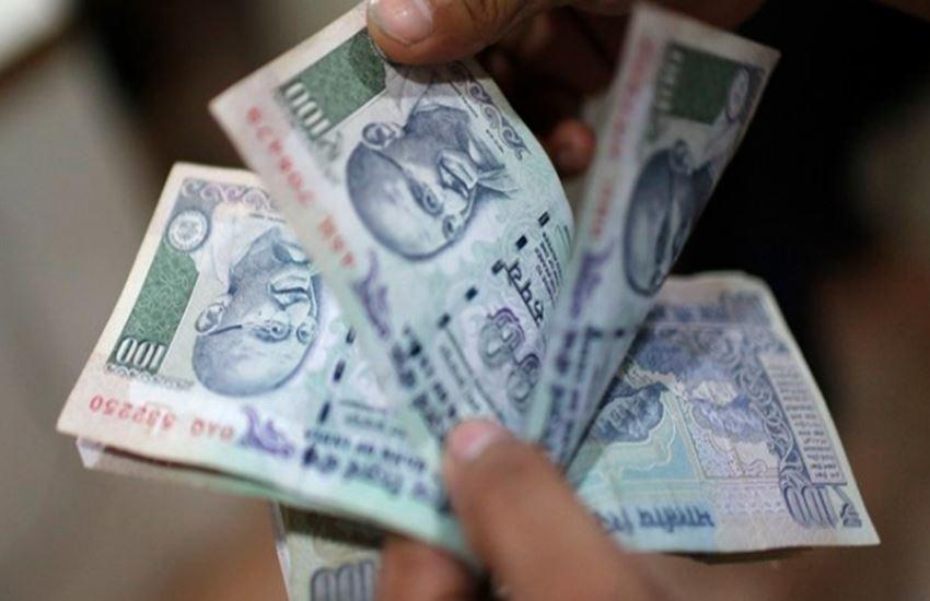 Budget 2017: मोदी सरकार ला सकती है गरीबों और बेरोजगारों को हर महीने 1500 रुपए देने कीयोजना