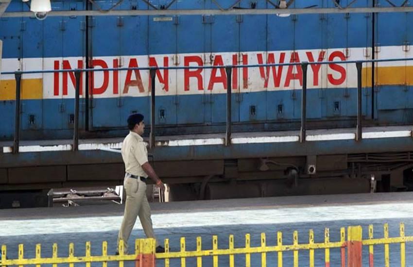 बजट 2017-18 में क्या रेलवे को मिलेगी मोदी सरकार से कोई सौगात!