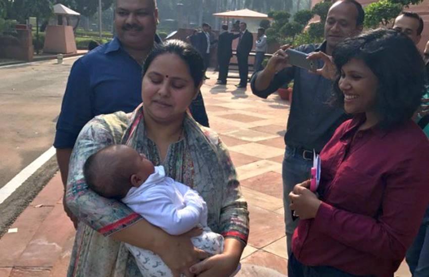 लालू प्रसाद यादव का नाती और वित्त मंत्री अरुण जेटली की बेटी पहुंची संसद, देखी सदन की कार्यवाही