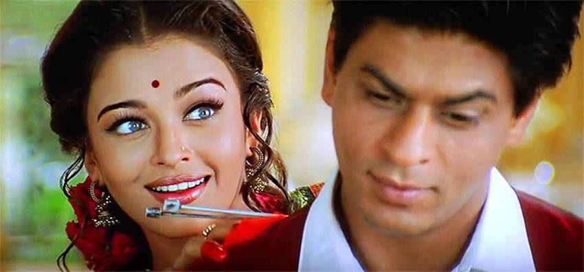देवदास फिल्म में शाहरुख की माशूका बनी ऐश्वर्या राय उन्हें एक स्वेटर बुनकर देती हैं। कोई भी गर्लफ्रेंड अगर ऐसा करती है तो जाहिर तौर पर उसका बॉयफ्रेंड उसकी ओर और  अट्रैक्ट होगा।