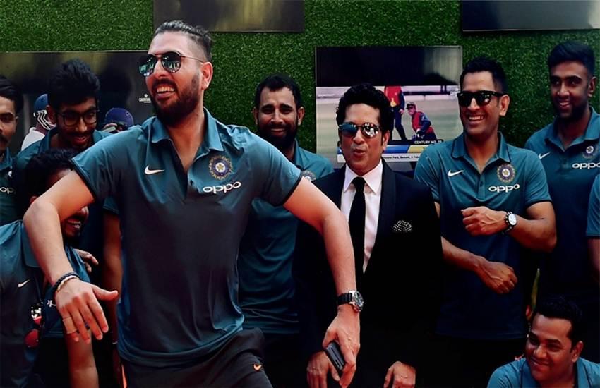 क्रिकेट मैदान के बाहर कोई करता है सिंगिंग, तो किसी को है फोटोग्राफी का शौक; जानिए अपने पसंदीदा क्रिकेटर्स की हॉबीज़  वीडियो गेम के दीवाने हैं धोनी, कोहली को लुभाती है जिमिंग; जानिए और खिलाड़ियों को लुभाती हैं कौन सी हॉबीज़