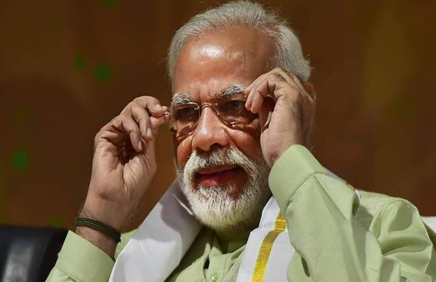 Modi Government, Advertisements, Modi Government Spent, Modi Government Spent on Advertisements, 3755 Crores Rupees, 3755 Crores Rupees on Advertisements, RTI, Three and A Half Year of Tenure, National News