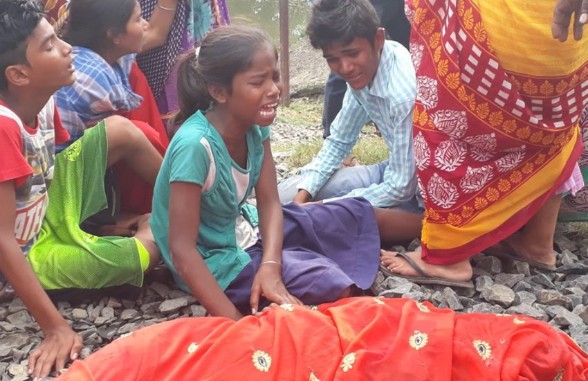 Train Accident, Five People killed, Five People killed in Bhagalpur, Four Women killed, Four Women killed in Bhagalpur, Bhagalpur Train Accident, Train Accident in Bhagalpur District, State news, Jansatta