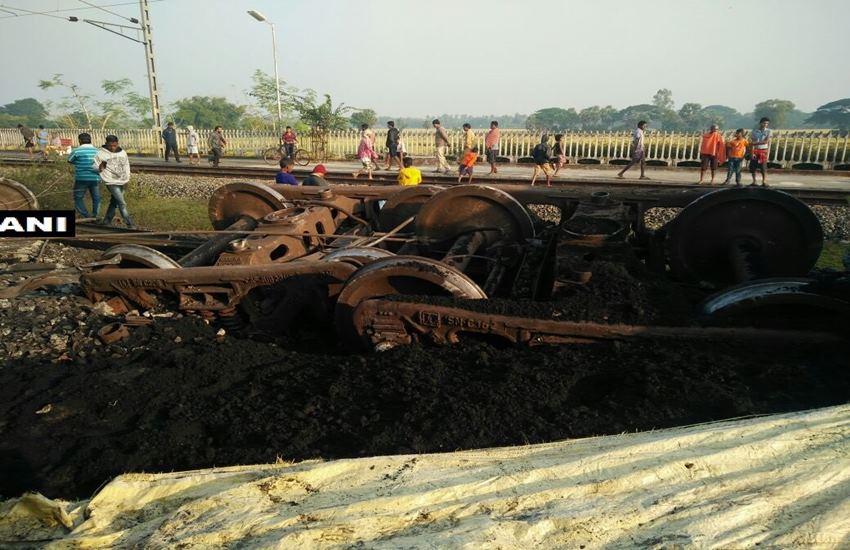 goods train derail, Jagatsinghpur, Odisha, 14 bogies of a coal laden goods train derailed, Train accident, Vasco De Gama Patna Express, Indian railway, hindi news, News in Hindi, Jansatta