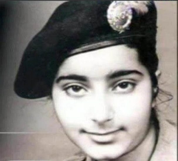 childhood photos of maneka gandhi, Sonia Gandhi, Rahul Gandhi childhood,Akhilesh Yadav Childhood Pic, Dimple yadav childhood, 14 november, Childrens day, indian politicians childhood photos, childrens day 2017, Childrens day 2017 speech, Childrens day images, Happy Childrens day,