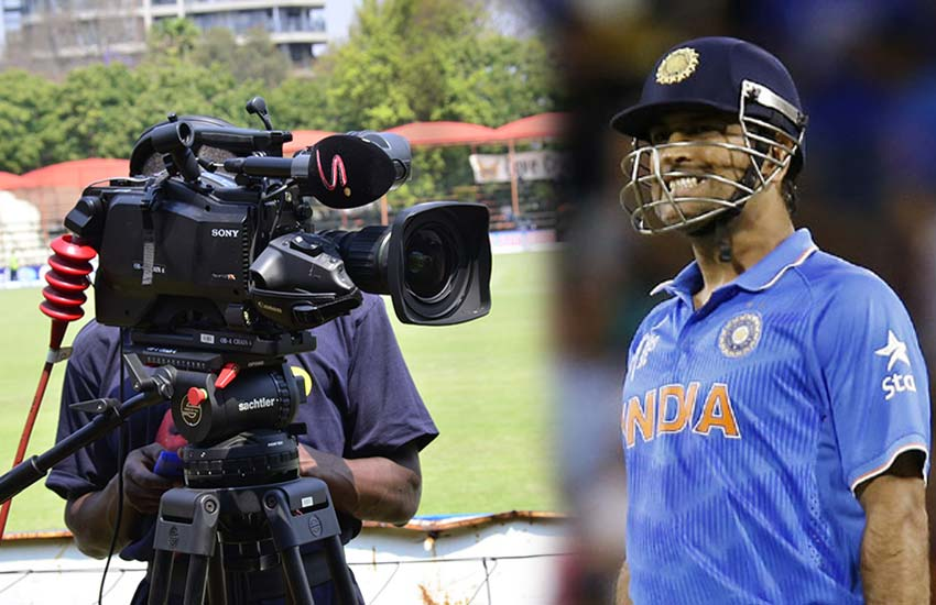 Camera-Man-vs-Dhoni